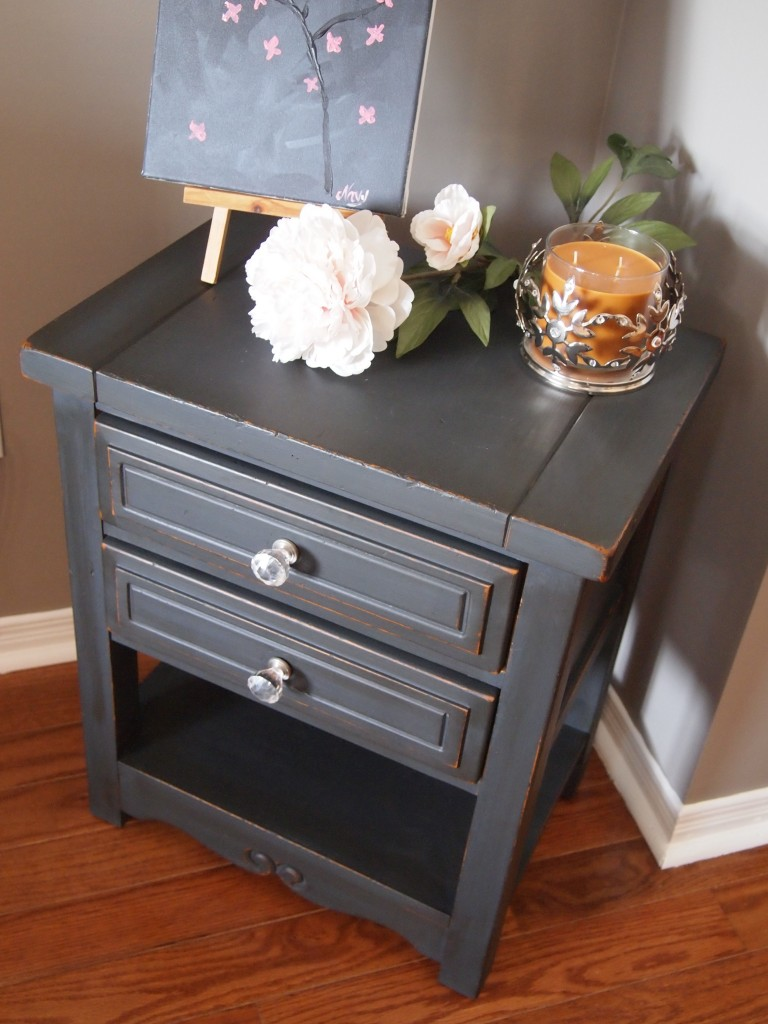 Charming Side Table in Graphite grey - SOLD!